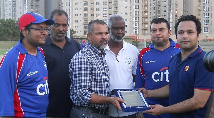 Country Marketing Officer of Citi Bank Mr. Adeel Shahid presenting Sevinour to Mr. Moin Khan