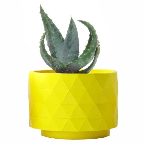 Aloe Ferox en la maceta Polygon amarilla de RiivDesignprecio orientativo 19€, $23.43