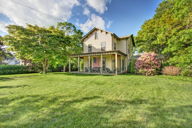 A slice of Americana: Antique farmhouse in the center of town: 996 Old Post Road, Fairfield CT: Denise Walsh & Partners Real Estate, Exceptional Properties Division: http://walshandpartners.com/996oldpost