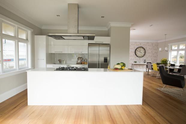 WEEK FOUR KITCHEN, DINING & STUDY REVEAL: Pete and Andy's contemporary kitchen. #theblocknz
