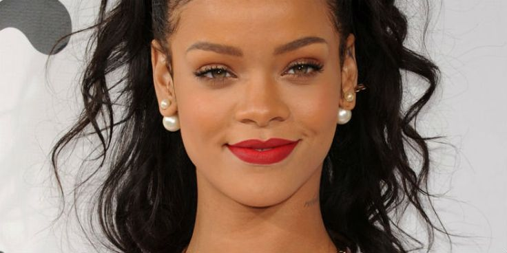 Bitch Better Know These 26 Rihanna Facts!