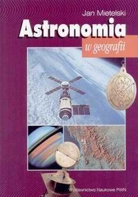 Podręcznik dla studentów geografii wyższych uczelni, zawierający podstawowe wiadomości z zakresu astronomii sferycznej i praktycznej oraz astrofizyki. Przedstawia w sposób poglądowy, a jednocześnie ścisły, związki między ruchami Ziemi jako planety a obserwowanymi zjawiskami astronomicznymi i geofizycznymi, omawia metody pomiaru czasu i określania pozycji, w tym także astronawigacji. Zawiera też zestaw zadań obliczeniowych oraz niezbędne do ich rozwiązywania tablice liczbowe.