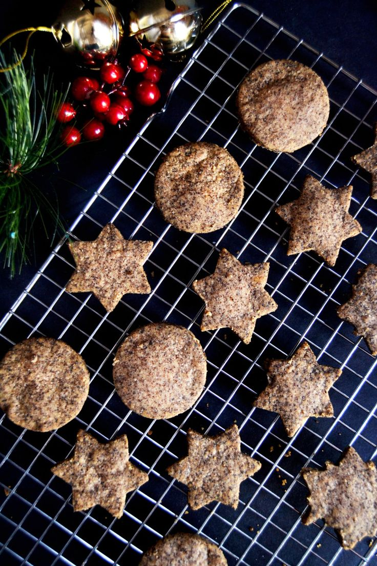 baked brown butter cookies.