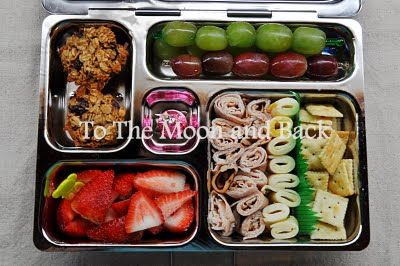 kid lunches. SO many great ideas here.