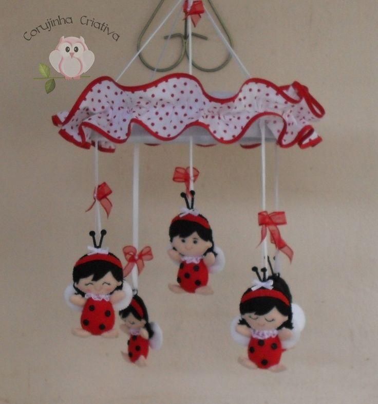 Móbile Meninas Joaninhas, em feltro e tecido, feitas à mão, nas cores que você desejar. Feitas sob encomenda
