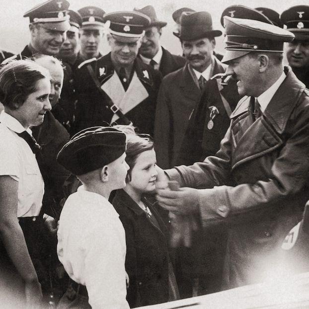 Adolf Hitler Breslau, in Polonia, nel 1936