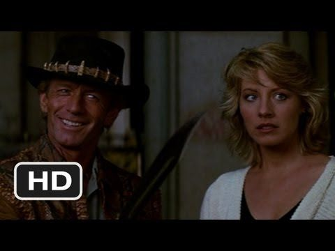 Loved this scene! That's A Knife - Crocodile Dundee (4/8) Movie CLIP (1986) HD