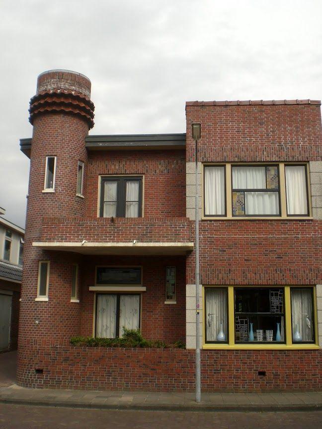 Amsterdamse school in de provincie Groningen
