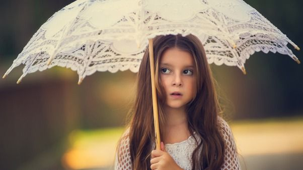صور اطفال كيوت حلوين جدا Little Girl With Umbrella بنات كيوت صغار Love Background Images Love Backgrounds Background Images Hd