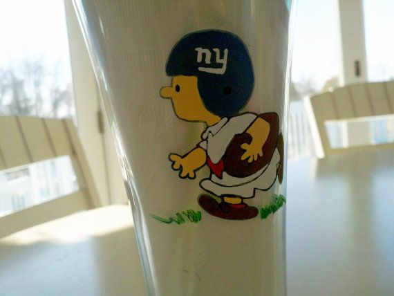 decorative peanuts gang  superbowl football giants patriots charlie brown linus lucy snoopy woodstock hand painted wine glass cups