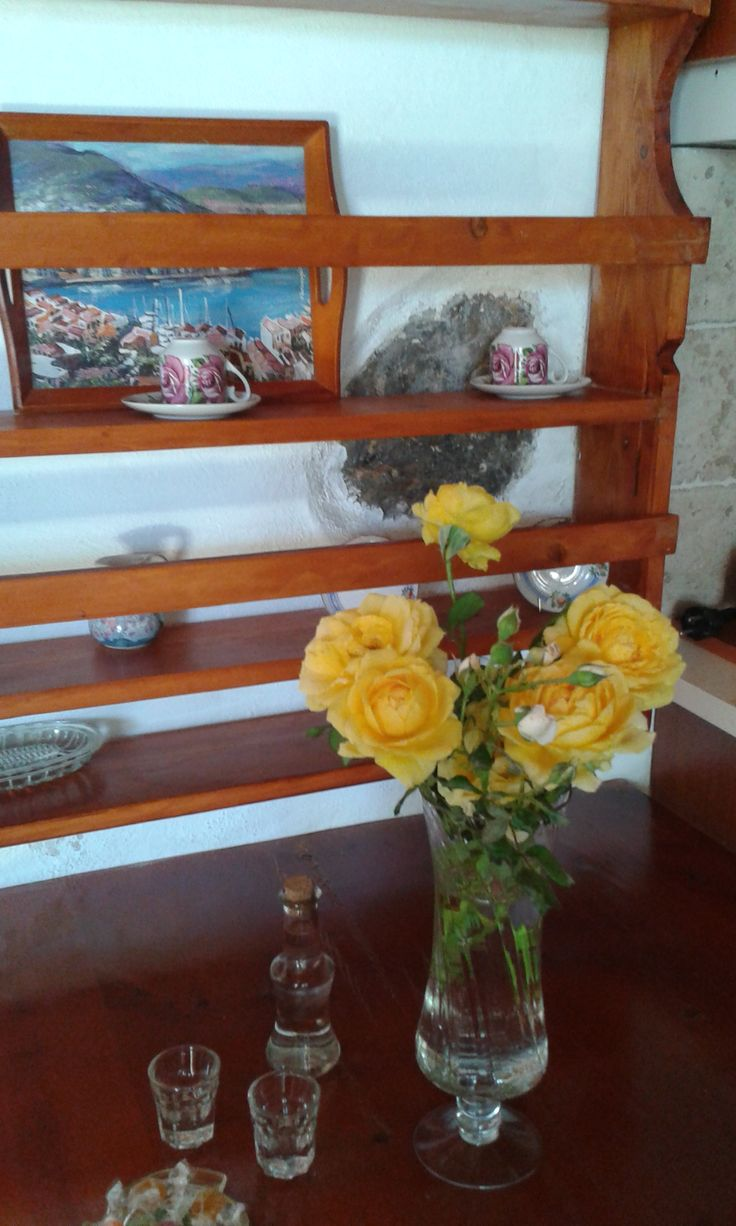 Mistatos Houses' a welcome bouquet