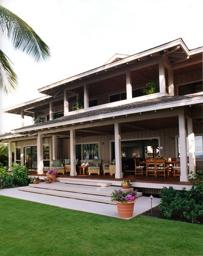 UHHH who WOULDNT want that back porch?!? Dinmore & Cisco Architects in Hawaii.