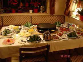 """Das perfekte Raclette """"Ideen""""-Rezept mit Bild und einfacher Schritt-für-Schritt-Anleitung: Fleisch in dünne Scheiben geschnitten, zum…"""