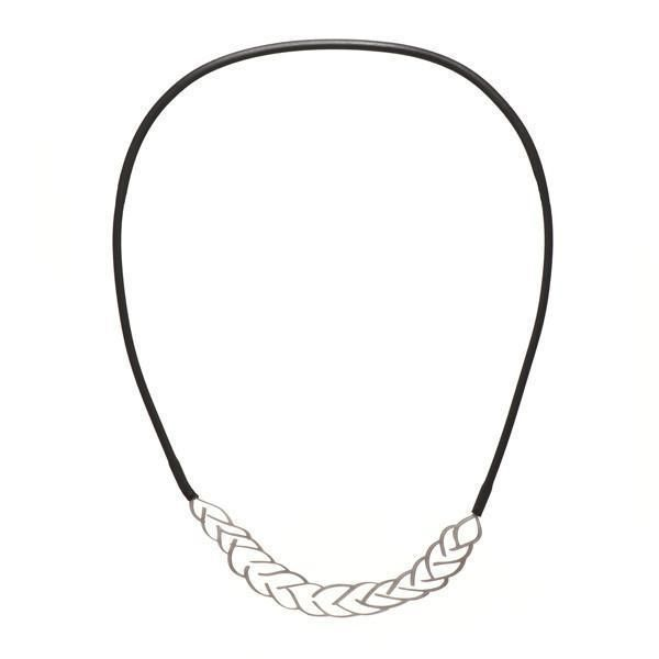 material: 100% hypoallergenic stainless steel, powder coat, black neoprene rubber size: drawing - 97 x 43mm (3.81 x 1.69 inch), necklace - 145 x 170mm (5.7 x 6.
