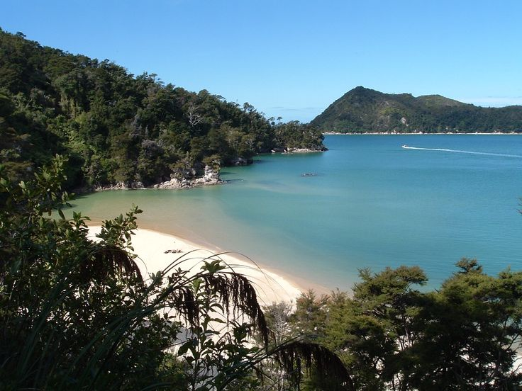 Kayaking doesn't get much better than this! Join us January 2017 in the gorgeous Abel Tasman National Park, New Zealand.