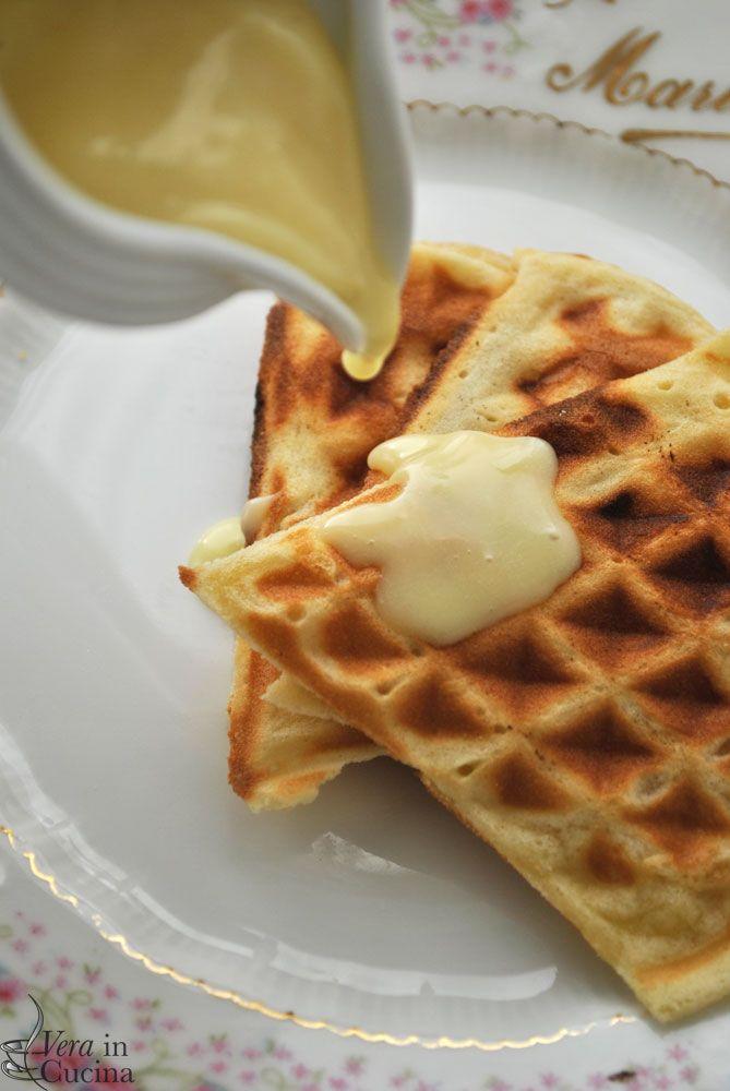 #Waffle alla vaniglia con salsa cioccolato bianco