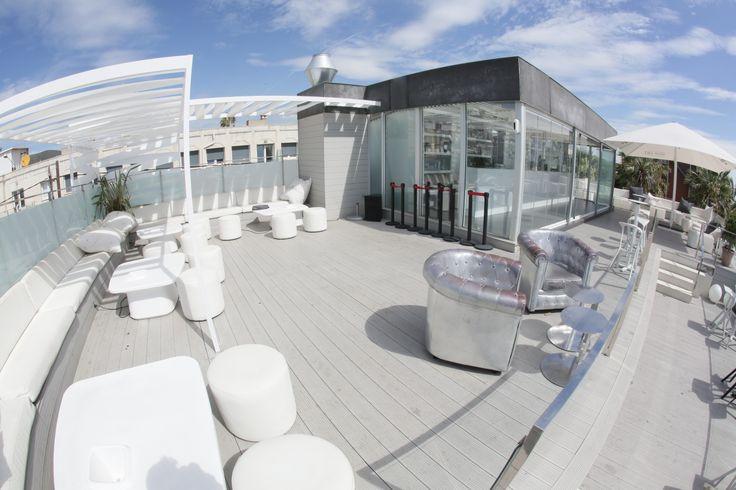 Detalle terraza superfior Restaurante Tibu-Ron Beach Castelldefels