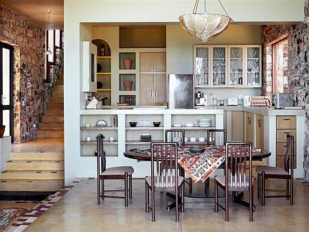 Self catering accommodation, Scarborough, Cape Town  Kitchen and dining area