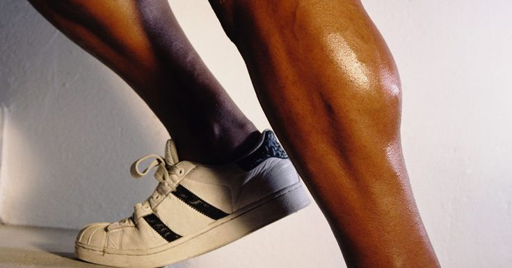 Como fortalecer o músculo tibial. O músculo tibial anterior é o músculo carnudo com o mesmo comprimento da tíbia, na parte externa da canela. Se o pé é flexionado para que os dedos sejam puxados para trás em direção a você, pode-se sentir esse músculo trabalhando. Ele ajuda também a rotacionar o pé para fora e proporciona estabilidade ao tornozelo enquanto você anda ou corre. O ...