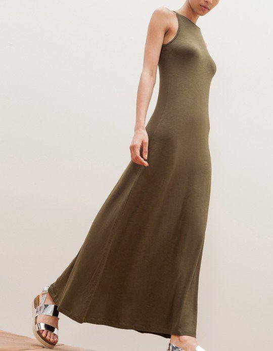 En Stradivarius encontrarás 1 Vestido largo cuello halter para mujer por sólo 15.95 € . Entra ahora y descúbrelo junto con más ROPA.