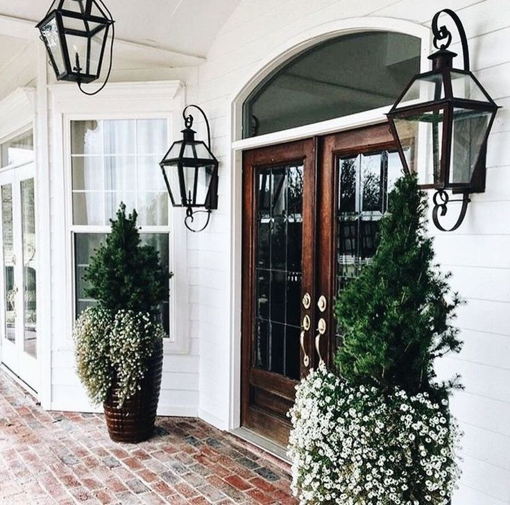 58 Stylish Winter Decoration Ideas For Your Front Door