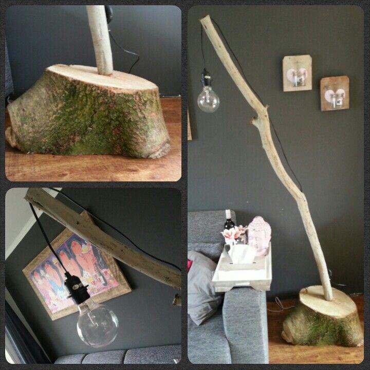 Lamp van boomstam en tak