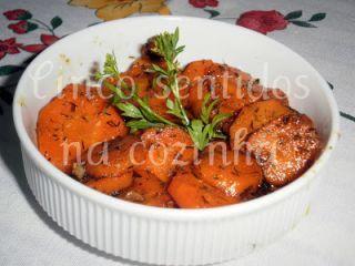 Cenouras salteadas com mel, gengibre e endro