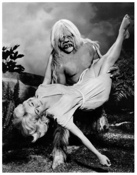 It's a dance sensation that's sweepin' the nation!  Everybody, do the Morlock!