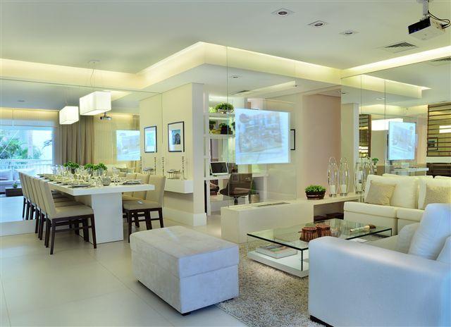 Sala de tv com projetor - Apartamento Decorado 107m² - Cyrela #quitetefaria