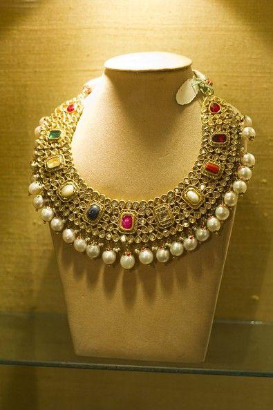 #navratan #navratna #haar #necklace #indian #desi #jewelry #pearls #gold