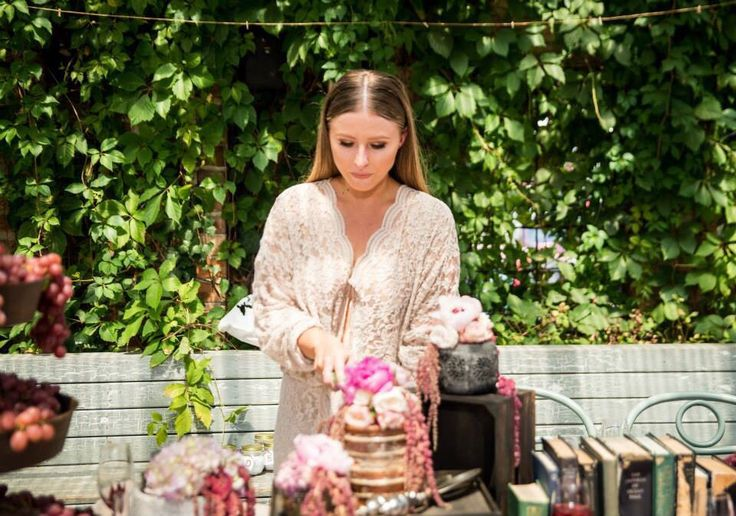 Kitchen Tea // Bridal Shower // The Grounds Of Alexandria // Naked Cake // Rustic Cake // Styling // Design // Decor // HOORAY Mag