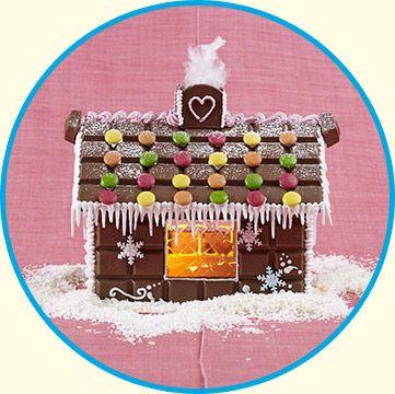 Gör ett riktigt litet godishus istället för papparkakshus och slipp kladd med deg, kavring och gräddning!