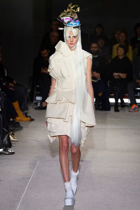 SPRING 2013 READY-TO-WEAR  Comme des Garçons