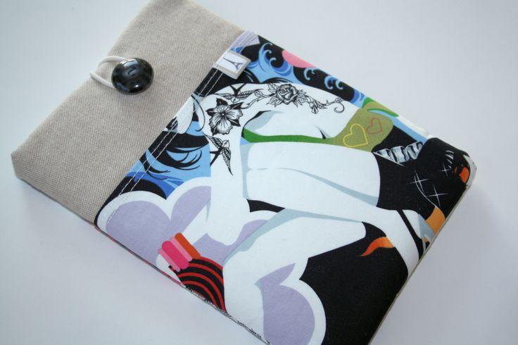 Mooie, hippe, stevige hoes voor de iPad mini, met handig vak op de voorkant.