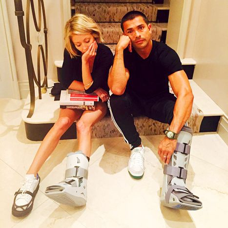 Kelly Ripa's Husband Mark Consuelos Also Injures Foot: Funny Photo - Us Weekly