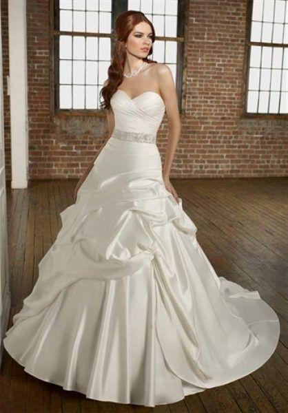 63 best Idei de nunta: Rochii de mireasa images on Pinterest ...