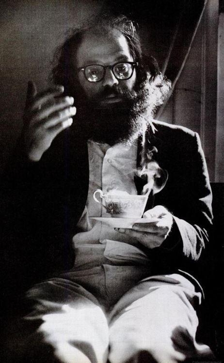 Allen Ginsberg, Kansas, 1966 Leia agora os nossos posts sobre a Beat Generation em http://mundodelivros.com/category/beat-generation/