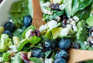 be healthy-page: Blueberry Broccoli Spinach Salad with Poppyseed Ra...