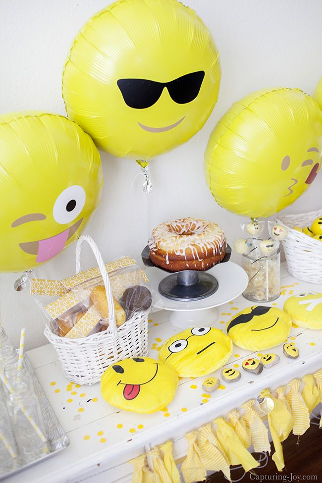 Emoji Birthday Party, complete with free party printables and banner.