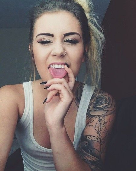 36 Rose Tattoos for Your Inspiration   tatuajes | Spanish tatuajes  |tatuajes para mujeres | tatuajes para hombres  | diseños de tatuajes http://amzn.to/28PQlav