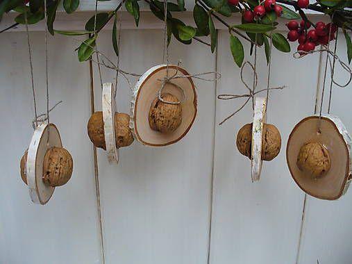 Clarah / Drevené ozdoby-orech v dreve zakliaty