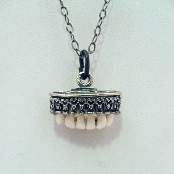 LOVED TO DEATH Taxidermy Jewelry Antique Relic Front Deer Teeth Necklace Sterling
