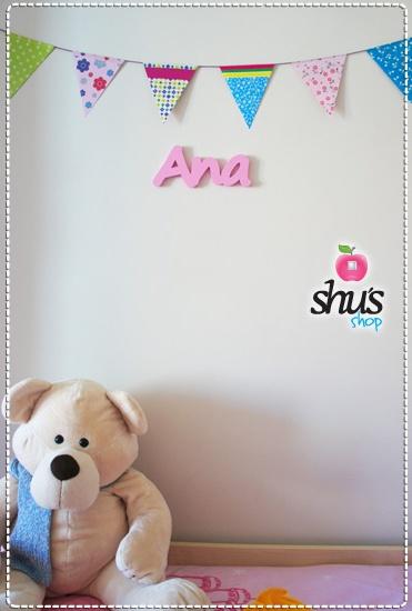 Preciosa habitación infantil decorada con muy buen gusto!