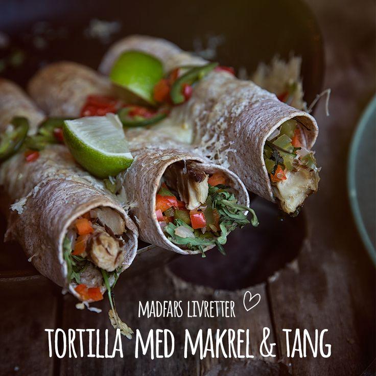 Mexicansk-inspirerede fuldkorns tortillaer med salsa af rød peber chili, ruccola, tang og lime. Fisk og chili med limesaft er en frisk og spicy livret fra Madfars køkken. Se opskrift i bio.