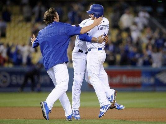 Dodgers walk off in 13th against Cardinals after pitchers' duel