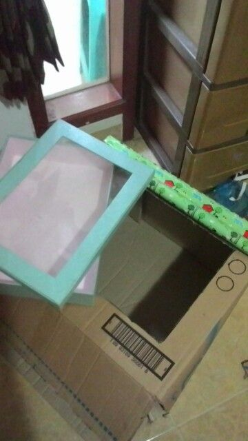 Making oven from cardboard, there is a hole for turn it on/off the oven. #cardboard #oven #toy #idea #diy #craft