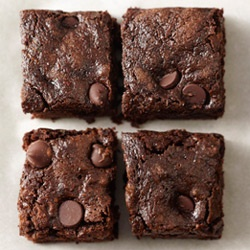 Whole-Wheat Dark Chocolate Zucchini BrowniesDesserts, Zucchini Breads, Chocolates Chips, Wholewheat Dark, Food, Dark Chocolates, Brownies Recipe, Chocolates Zucchini Brownies, Whole Wheat Dark