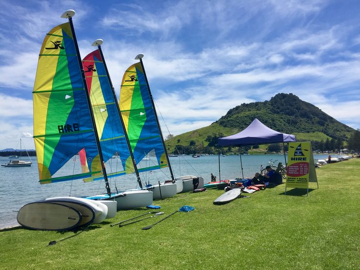 Bill ✔️ Activities at Pilot Bay, Mount Maunganui, New Zealand. This is my composition and colour favourite photo of the day! Labour weekend, 2016.     Bill Gibson-Patmore.  (iPhone image, curation & caption: @BillGP). Bill ✔️.