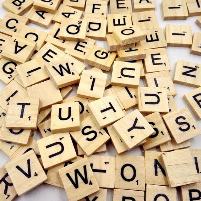 100 Boîte de Puzzle En Bois Scrabble Alphabet Lettres puzzle carrés Pour Artisanat En Bois pour Enfants garçon et fille 2016 B1 ANNIV THALIE
