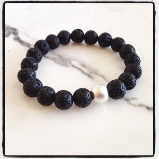 Bracelet from Volcano Lava with silver ball 31€